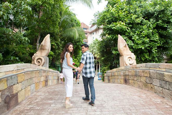 คุณเป้ยและคุณป็อบกับโมเมนต์หวานสวีตที่ Resorts World Sentosa