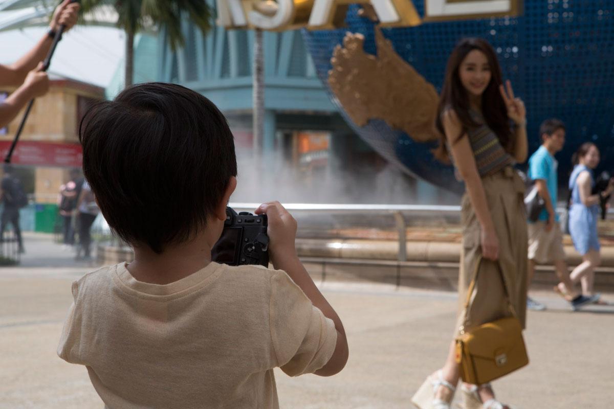 น้องโปรด ตากล้องมือใหม่ถ่ายแม่เป้ย ที่ Universal Studios Singapore และความสุขที่ทุกคนสัมผัสได้ที่ Resorts World Sentosa