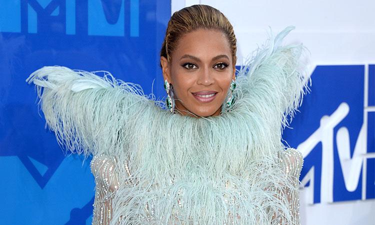Beyonce-8-MTV-Video-Music-Awards-2016
