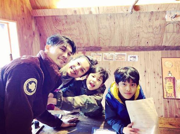 วงศ์พัวพันธ์ , ครอบครัว , สกี , หิมะ , ญี่ปุ่น , นิเซโกะ , เซเลบริตี้