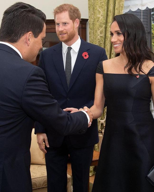ดัชเชสเมแกน, ประเทศนิวซีแลนด์, เวลลิงตัน, งานเลี้ยงต้อนรับ, Royal Tour, duchess of sussex, meghan markle, Gabrield Hearst, Royal Gown, Wellington, New Zealand