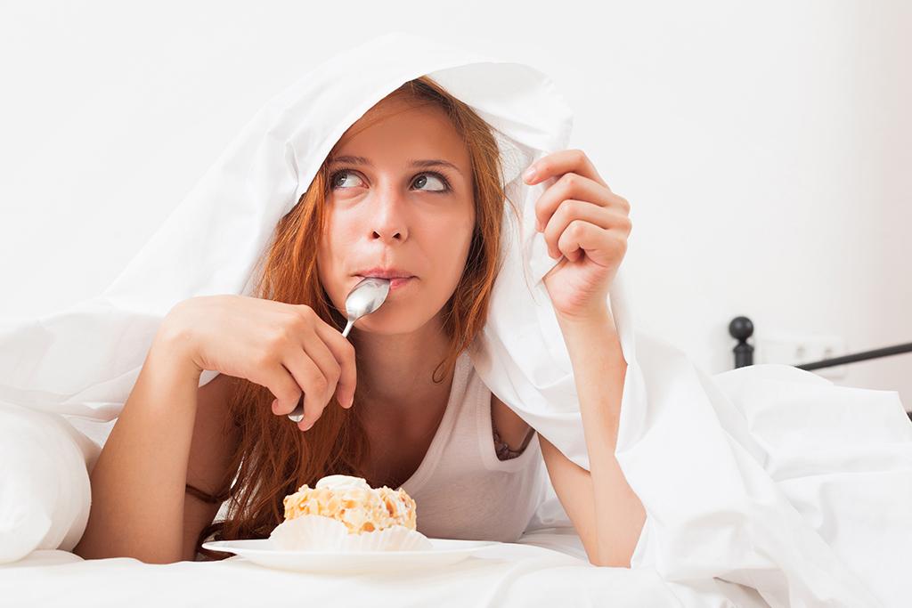 นิสัยแย่ๆ, เรื่องที่ไม่ควรทำก่อนเข้านอน, สุขภาพ, เคล็ดลับสุขภาพ, การดูแลสุขภาพ, การดูแลตัวเอง, การนอนหลับพักผ่อน, การนอนที่มีคุณภาพ