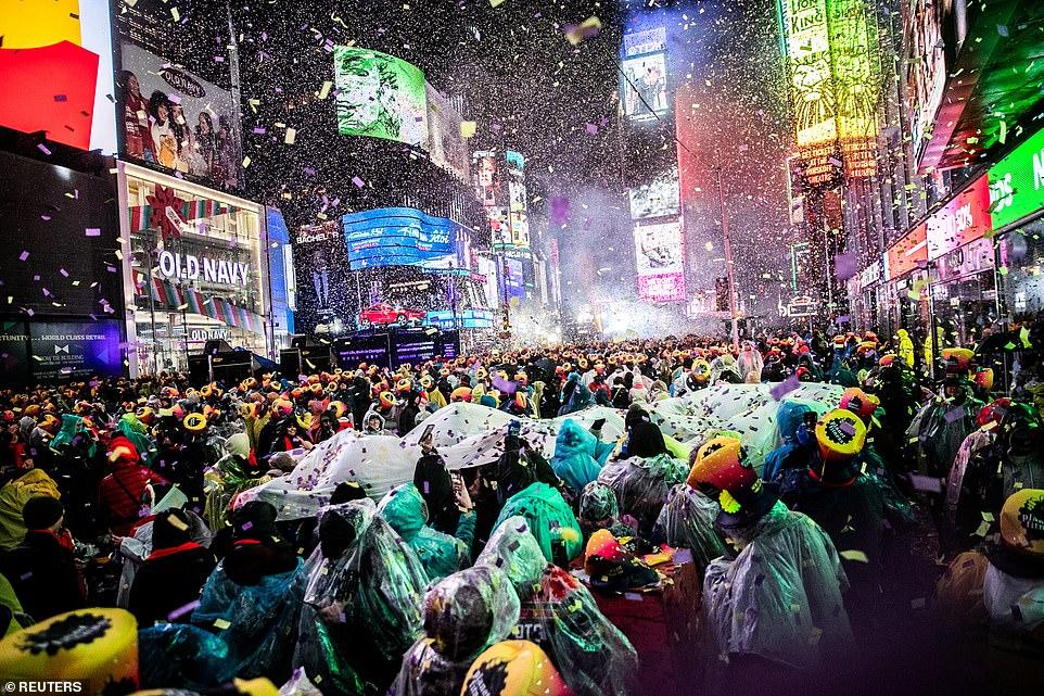 วันขึ้นปีใหม่ 2019, การจุดพลุฉลองปีใหม่, New Year 2019, ออสเตรเลีย, เยอรมัน, ฮ่องกง, สิงคโปร์, ดูไบ, ลอนดอน, มอสโคว์, ไทเป, ปารีส, นิวยอร์ก