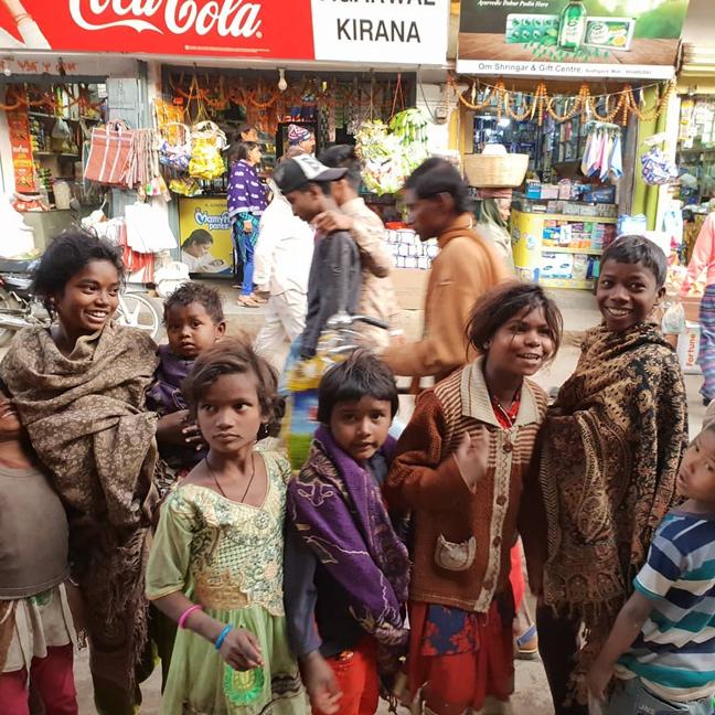 หมู-พลพัฒน์ อัศวะประภา, หมู อาซาว่า, ดีไซเนอร์ไทย, อินเดีย, คยา, พาราณสี, ทำบุญ, โปรเจคท์ใหม่, แบรนด์ Asava
