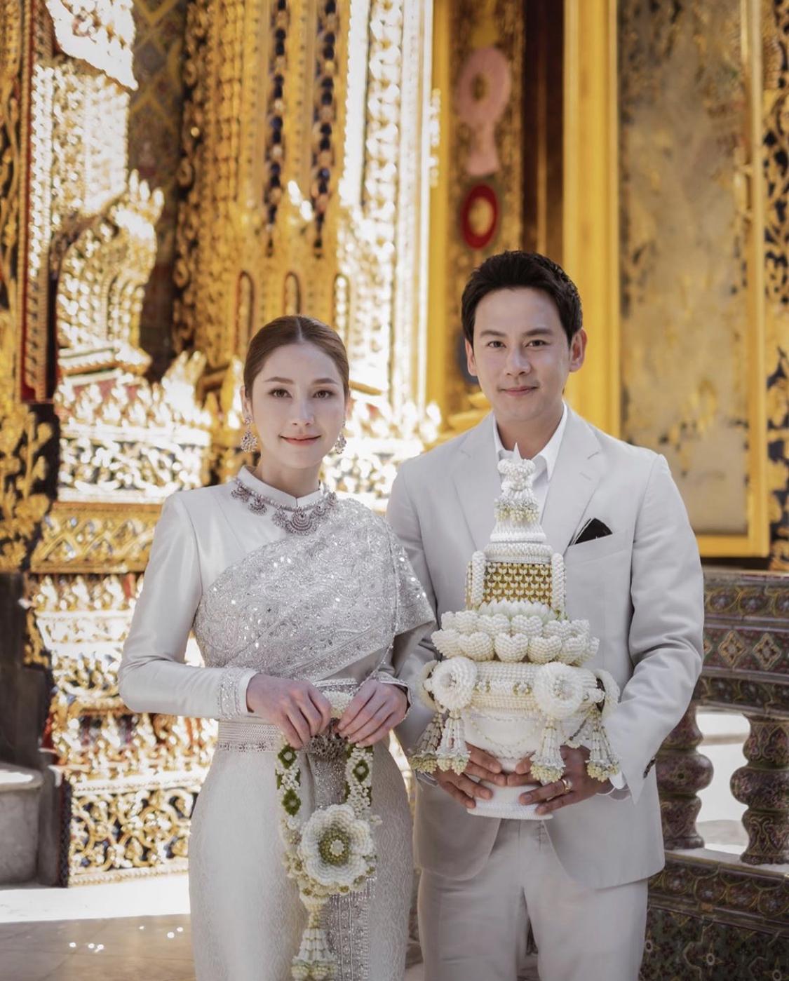 เพื่อความเป็นสิริมงคล 'ฟลุค-นาตาลี' เข้าเฝ้าฯ สมเด็จพระสังฆราชก่อนแต่งงาน