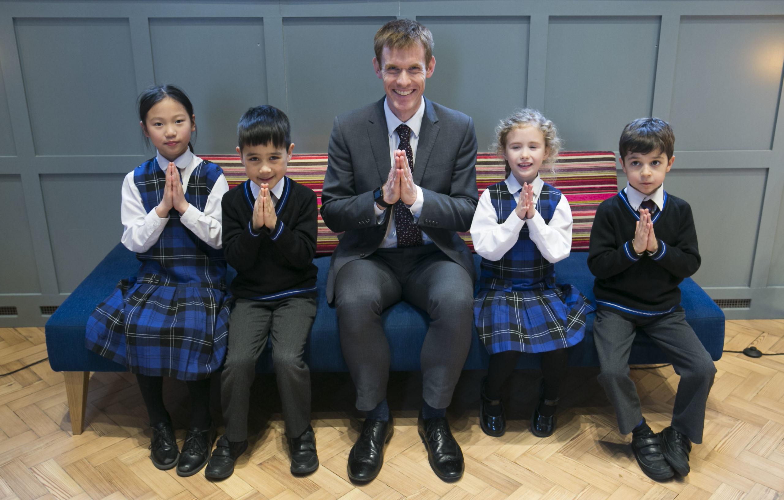 จอห์น วีคส์กับนักเรียน Brighton