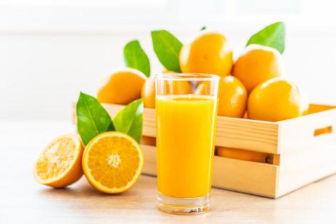 น้ำส้ม ให้วิตามินดี วิตามินซี และอุดมไปด้วยแคลเซียม
